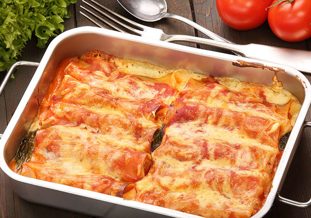 Cheese and spinach manicotti.